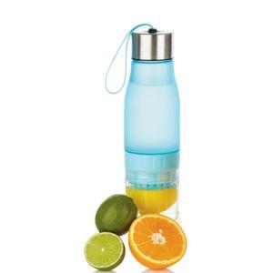 Vannflaske med fruktpresse 0,7 Liter